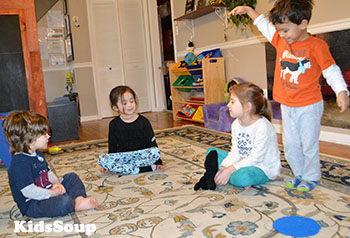 Preschool mitten circle game and activity