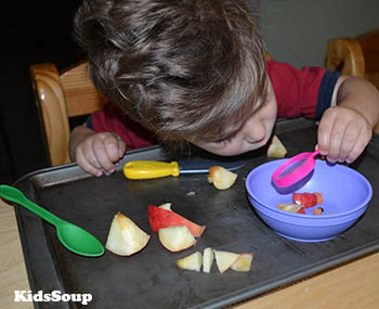 Apple Science activity and lesson for preschool and kindergarten